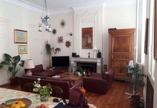 Appartement à Bordeaux - Appart CATHERINE T3 - 2/4 pers- 100m²